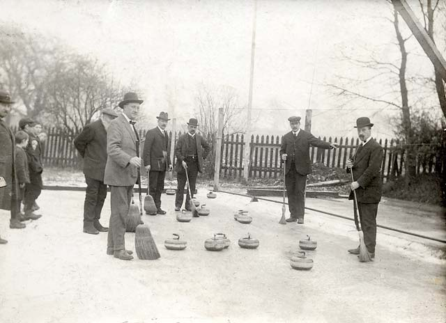 0_photographs_curling_-_unidentified_photo.jpeg